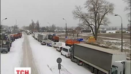 Возмущенные фермеры грозятся перекрыть автотрассы по всей Украине