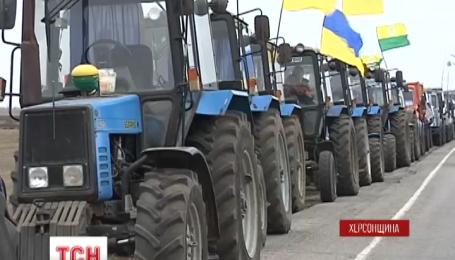 Селяни та фермери перекривають дороги по всій Україні