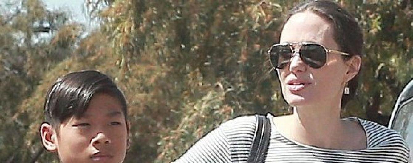 Син Джолі та Пітта серйозно травмувався під час сімейного відпочинку