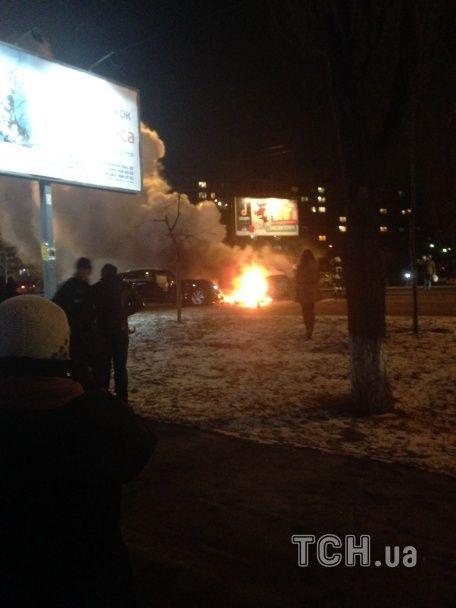 З'явилися нові фото та відео з місця страшного ДТП у Києві