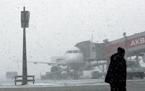 Аеропорти 14-мільйонного Стамбула паралізовані другий день поспіль