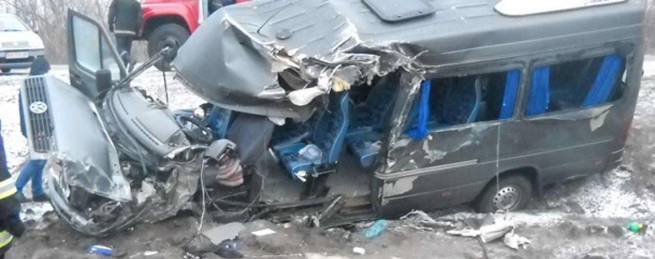 Десятеро людей постраждали в аварії на Кіровоградщині