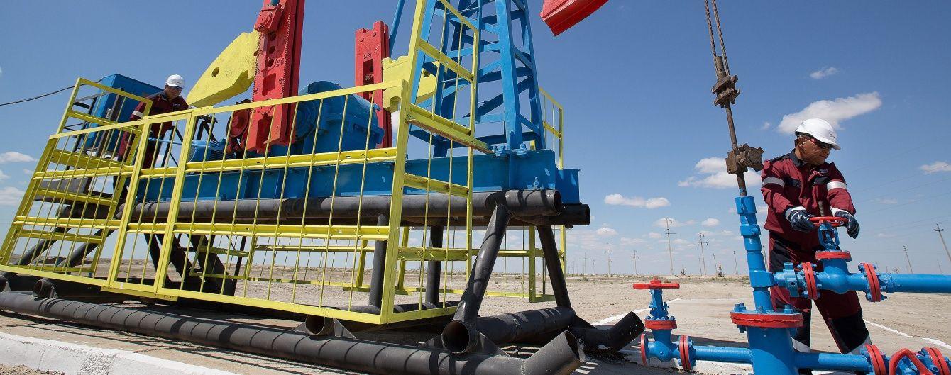 Цена на нефть продолжает расти после кратковременного падения
