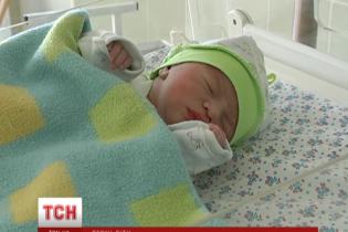 Первый ребенок 2016 года в Украине появился на свет на первой его минуте