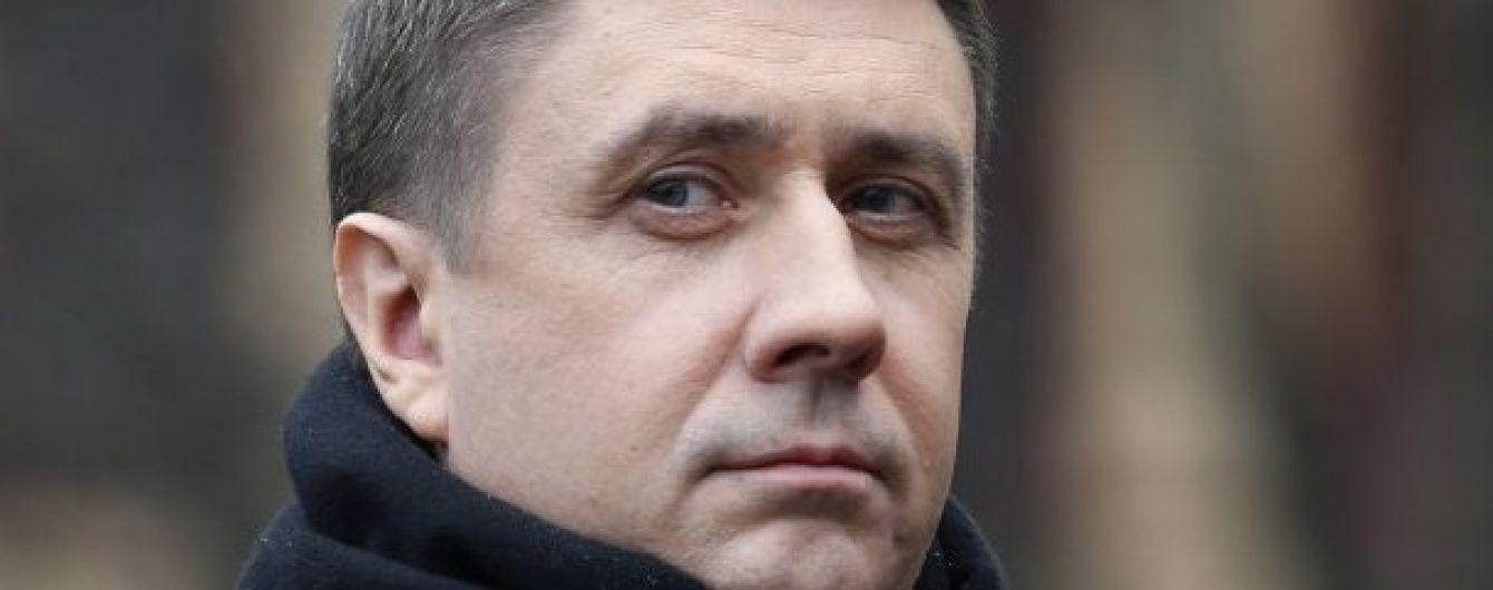 Глава Мінкульту хоче позбавити ліцензій FM-станції, на яких не грають українські пісні