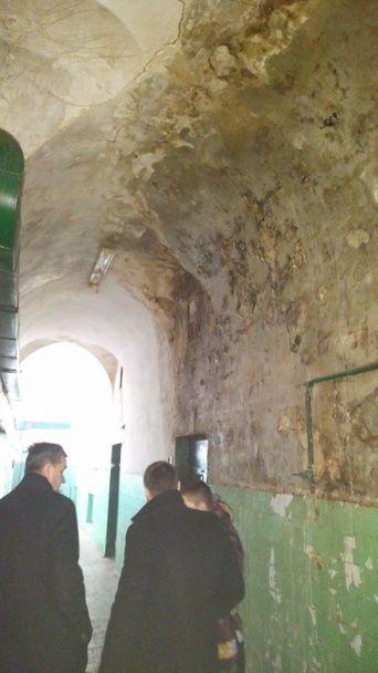Цех із заподіяння страждань. Нардеп показав жахливі фото із Лук'янівського СІЗО