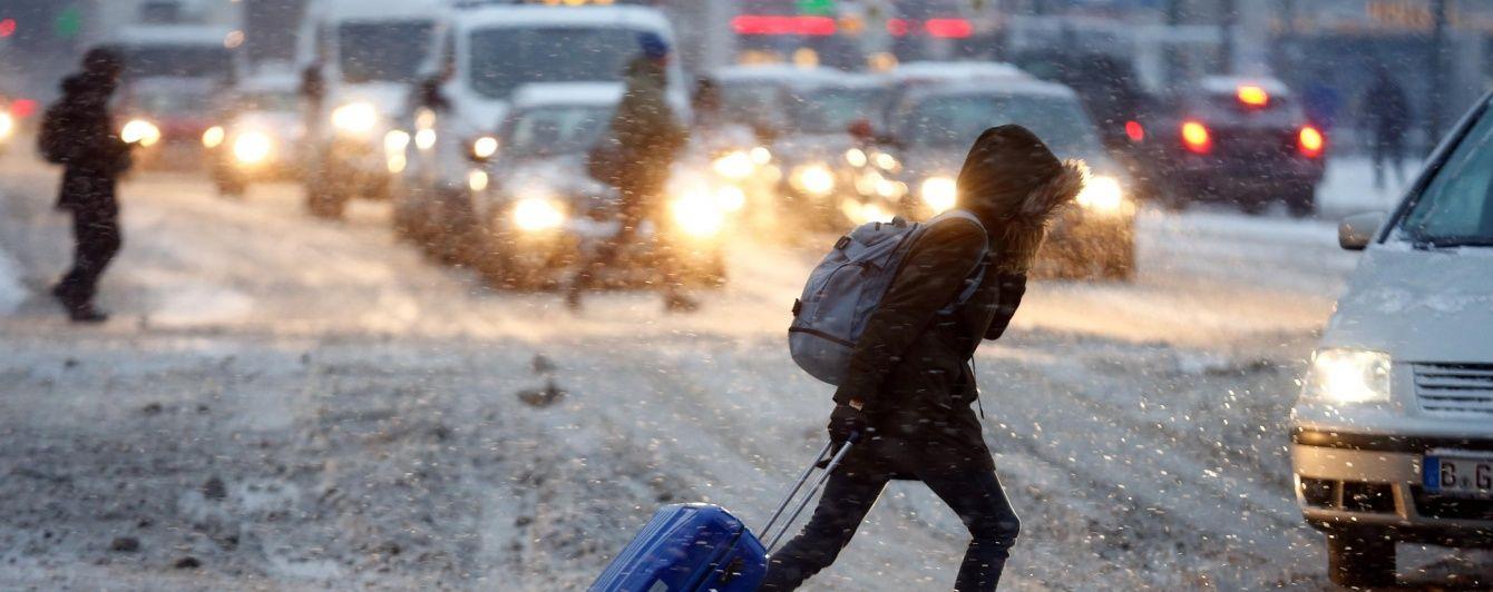 """У КМДА відзвітували про прибирання снігу в """"інтенсивному режимі"""""""