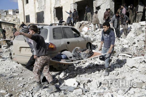 Росія скинула вакуумні бомби на контрольоване повстанцями містечко у Сирії
