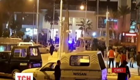 На єгипетському курорті терористи напали на відпочивальників готелю