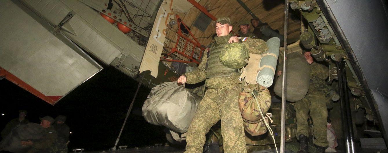 Російські військові таємно лікуються від грипу в спеціальному медзакладі окупованого Донецька