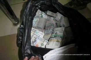 """За два дні прикордонники """"накрили"""" майже півмільйона доларів контрабанди готівкою у зону АТО"""