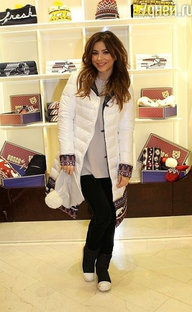 Ані Лорак показала, як оновила гардероб у російському бутику