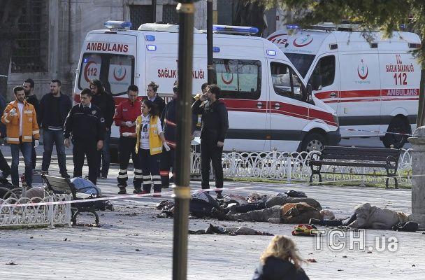 Оприлюднені фото з місця вибуху у Стамбулі