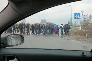 Сотні шахтарів перекрили міжнародну трасу на Львівщині