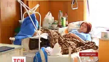На Житомирщині 18-річна дівчина впала з 10-метрового мосту у річку