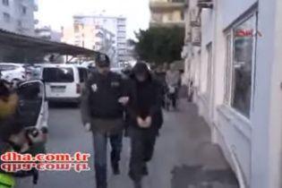 У Мережі з'явилося відео затримання росіян у Туреччині