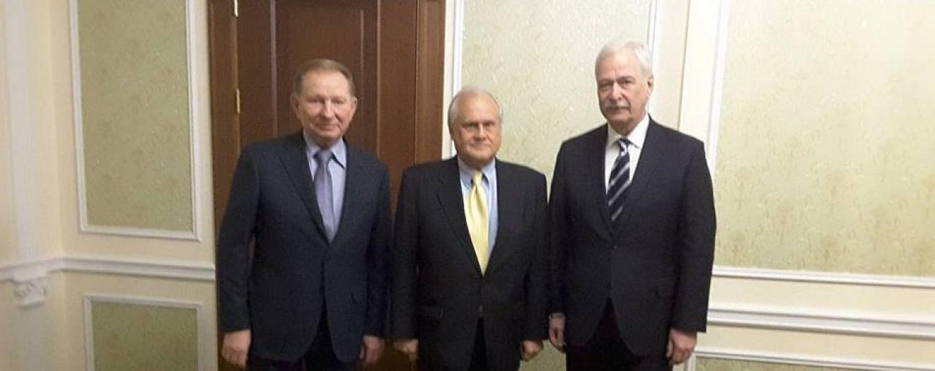 Секрети політичної шахівниці. Що означає активізація переговорів щодо Донбасу