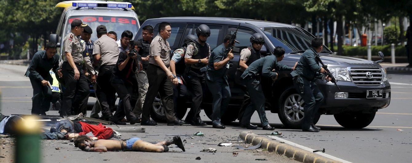 Теракти в Індонезії: жертвами серії вибухів стали 17 людей