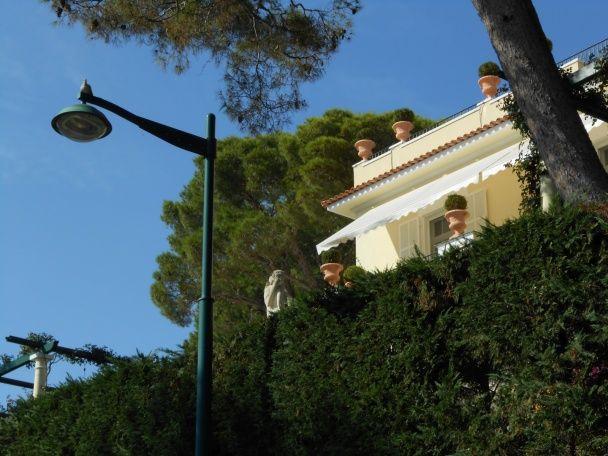Нардеп показав шикарний маєток Фірташа на Лазуровому узбережжі