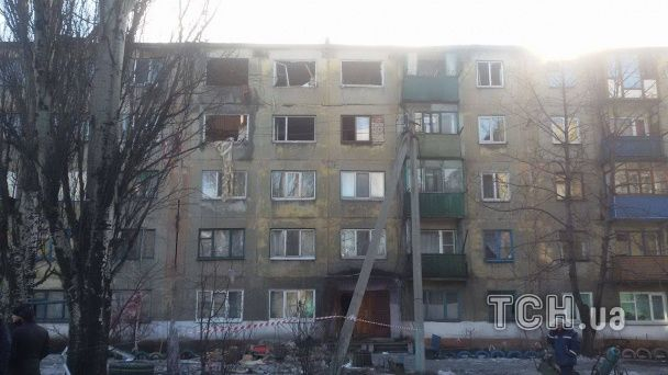 Подробиці смертельного вибуху в Українську: мати трьох дітей  перебуває у важкому стані