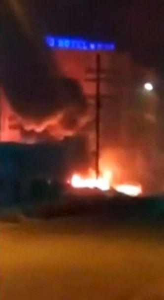 У столиці Буркіна-Фасо силовики почали штурм готелю, котрий захопили терористи