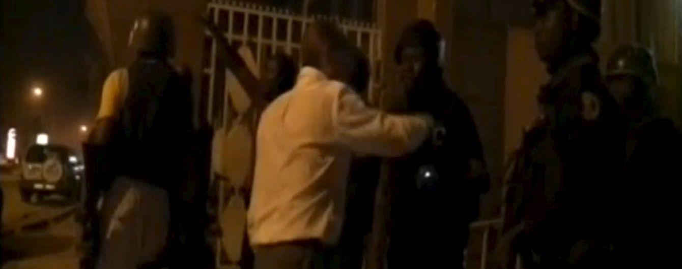 У столиці Буркіна-Фасо із захопленого терористами готелю звільнили три десятки заручників