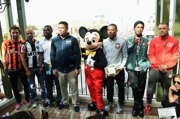 """""""Шахтар"""" взяв участь у параді чемпіонів у магічному королівстві студії Walt Disney"""