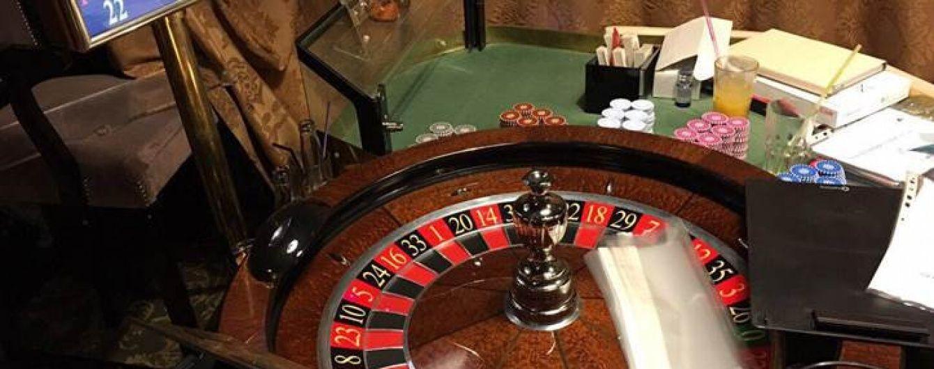 """У центрі Києва """"накрили"""" казино, через яке щодоби проходили мільйони гривень"""