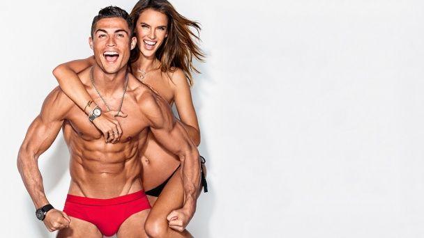 Роналду в трусах знявся у фотосесії із сексапільною бразильською топ-моделлю