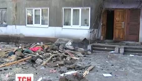 Рятувальники витягли усіх людей з-під завалів будинку в Українську
