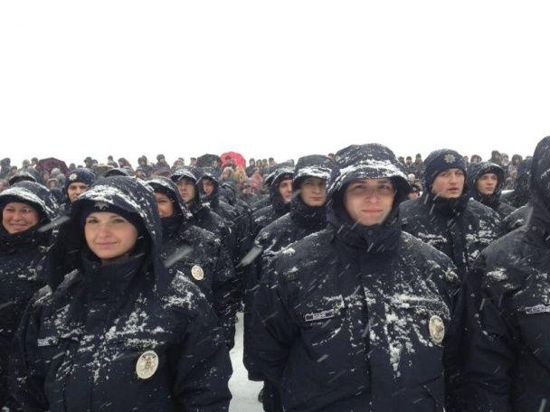 Нові патрульні поліцейські присягнули в Дніпропетровську