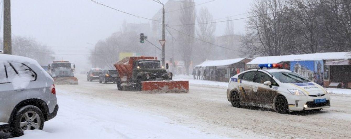 Лихоманка на нафтовому ринку та сніговий колапс в Україні. 5 головних новин дня