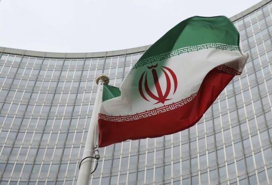США подовжили санкції проти Ірану