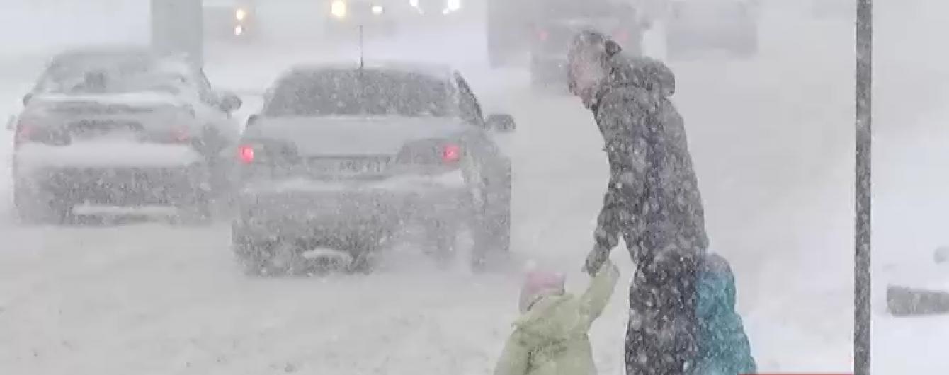 В Одесі та Дніпропетровську - сніговий армагедон. Які регіони накриє негода в понеділок