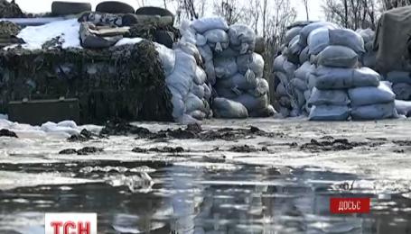 На Донбасі бойовики обстрілюють військових з БМП і гранатометів