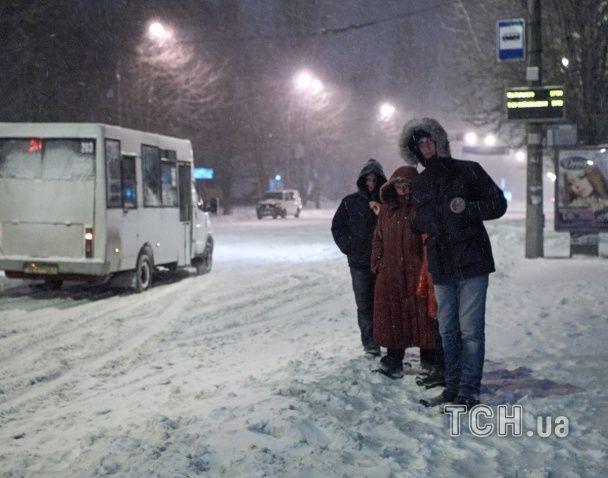 Заметена Україна. Як регіони переживають негоду
