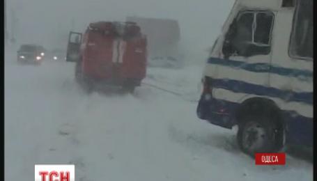 На Одещині почали пробивати основні автошляхи