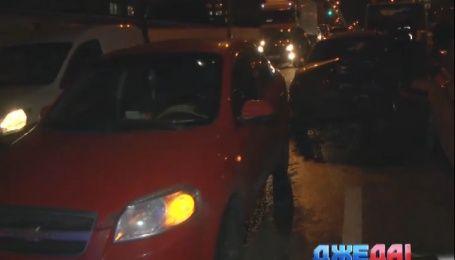 Четыре машины не разминулись на столичном Краснозвездном проспекте