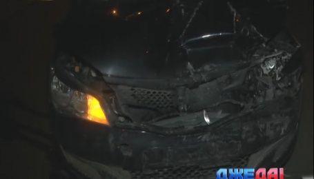 В Киеве столкнулись две легковушки без водителей