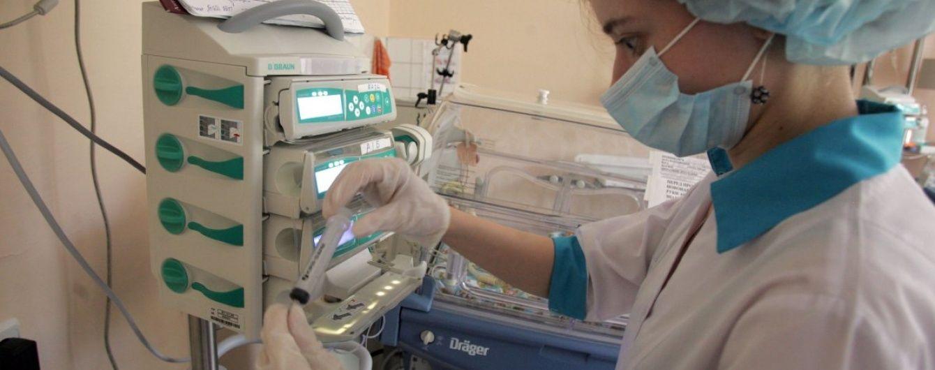 У Сумській області медсестра повісилася у робочому кабінеті, залишивши чоловікові записку