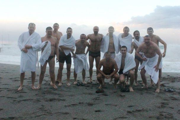 """Футболісти """"Олександрії"""" скупалися на Водохреще у Середземному морі"""