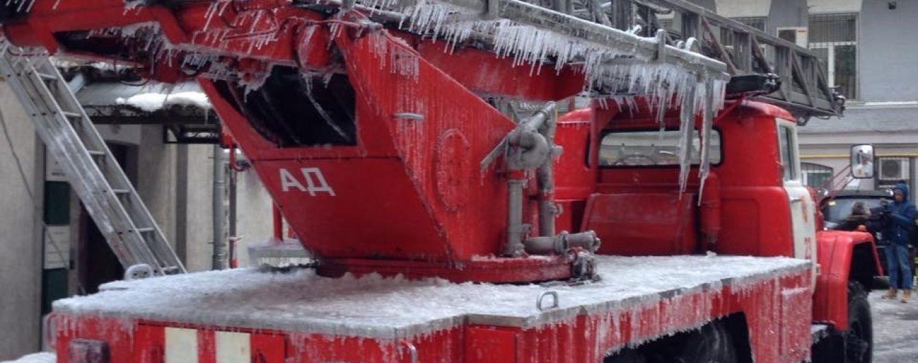 """Серед """"погорільців"""" будинку в центрі Києва опинився посол МЗС"""
