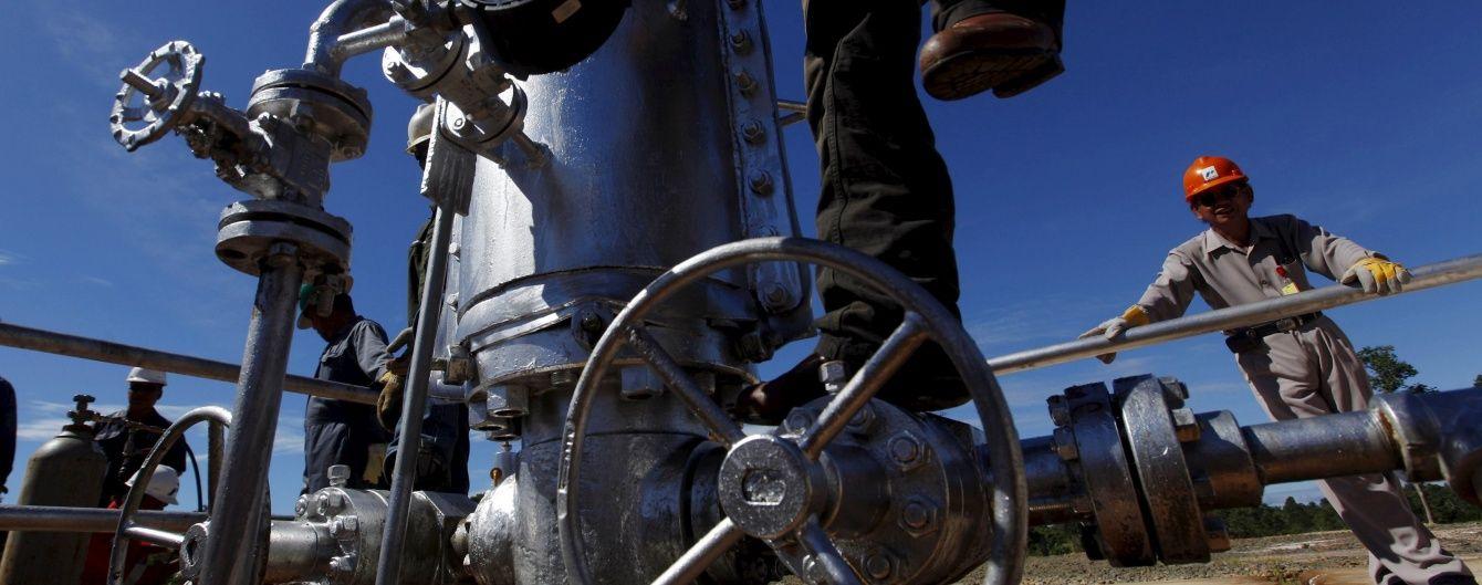 """Нафта """"передумала"""" дорожчати - ціни різко обвалилися"""