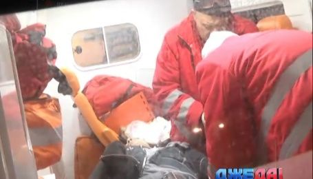 Легковушка в столице сбила мужчину сразу за пешеходным переходом