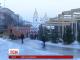 У центрі Києва розбирають різдвяне містечко