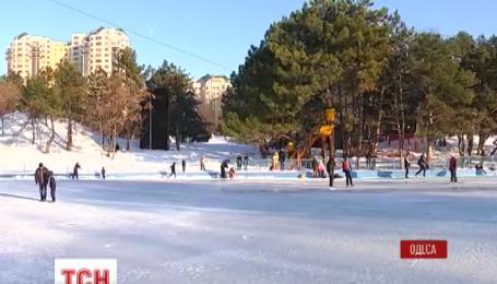 В Одесском дендропарке появился гигантский каток