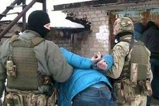"""На Донбасі затримали шпигунку та екс-коханку """"Гіві"""""""