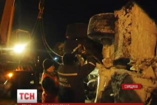 Одну з українських трас заблокувала перекинута фура