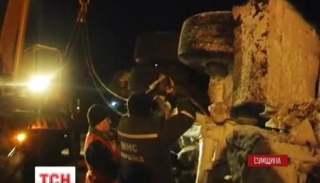 Двенадцать часов подряд было заблокировано движение транспорта на автодороге Киев-Сумы