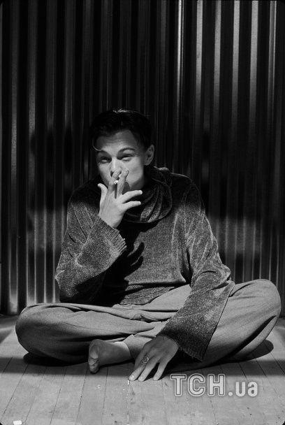 Молодий та зухвалий: раніше не опубліковані фото 19-річного ДіКапріо заполонили Мережу